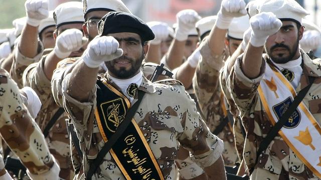مسؤول عراقي: 2000 جندي إيراني وصلوا إلى العراق اليومين الماضيين