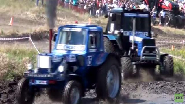 بالفيديو.. سباق الجرارات في مقاطعة روستوف