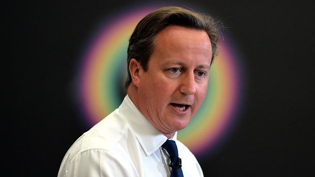 كاميرون: حان الوقت لاتخاذ نهج أكثر صرامة مع التطرف الإسلامي في بريطانيا