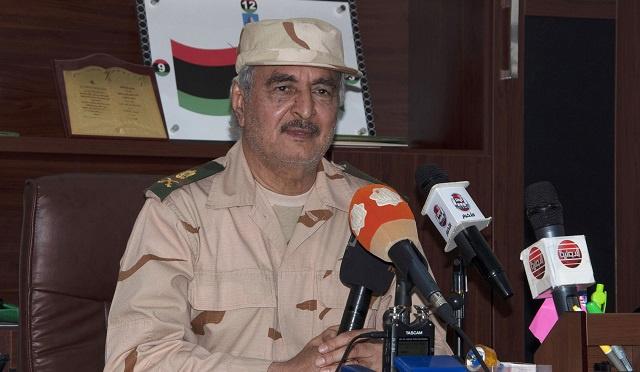 حفتر: حريصون على نجاح الإنتخابات البرلمانية في ليبيا