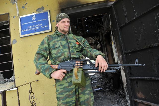 كييف تعلن مقتل نحو 50 من عناصر الدفاع الشعبي في شرق أوكرانيا خلال الـ 24 ساعة الماضية