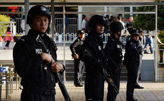 الصين.. الحكم بالإعدام على 3 متهمين بتفجير انتحاري في بكين العام الماضي