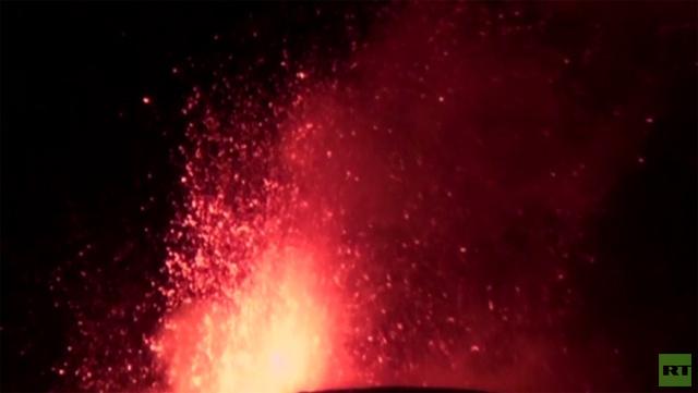 بالفيديو.. ثوران بركان إتنا في صقلية
