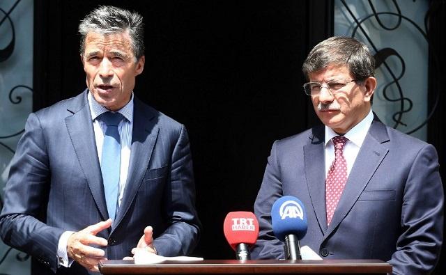 الناتو يدعو إلى الإفراج الفوري عن الدبلوماسيين الأتراك المحتجزين لدى