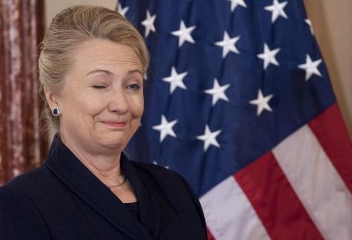 كلينتون تأمل أن تقود امرأة الولايات المتحدة