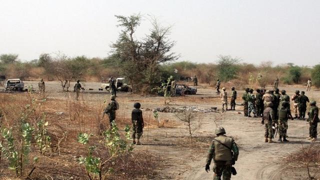الجيش النيجيري يلقي القبض على 450 شخصا يشتبه بانتمائهم لبوكو حرام