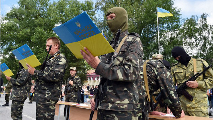 القوات الأوكرانية تستأنف عمليتها الأمنية بشرق أوكرانيا بعد انتهاء الهدنة