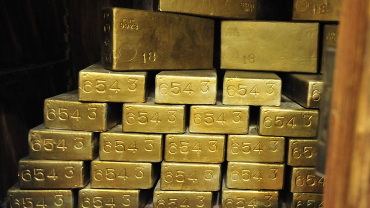 الذهب يرتفع لأعلى مستوى في 3 أشهر مع هبوط الدولار وتفاقم العنف في العراق