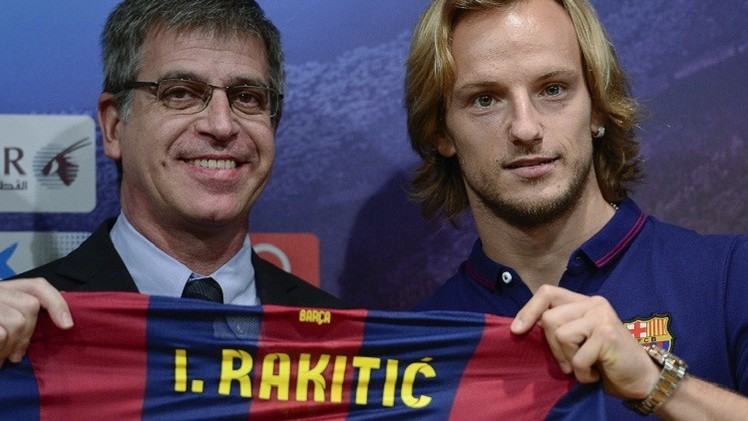 راكيتيتش يحتل مكان فابريغاس في تشكيلة برشلونة