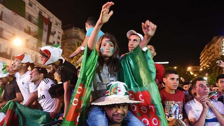الجماهير الجزائرية تنتظر محاربي الصحراء على أحر من الجمر