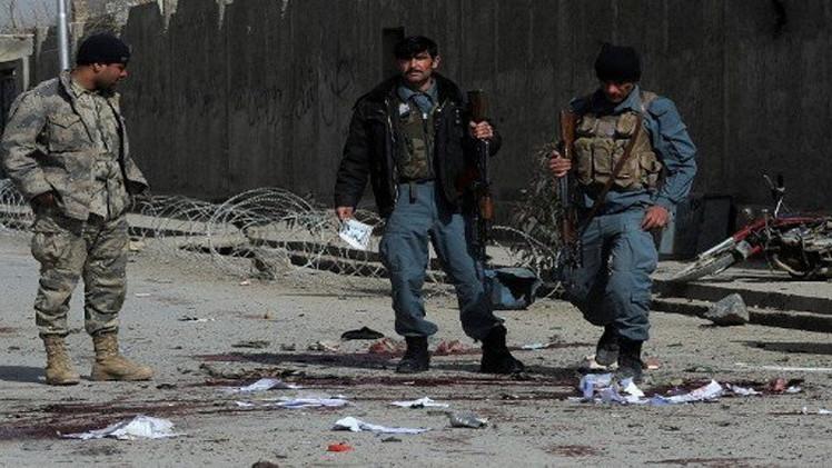 مقتل 8 أشخاص من بينهم عسكريون في تفجير انتحاري بكابول