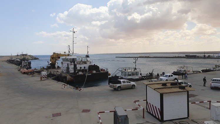 الحكومة الليبية والمسلحون يعلنون إنهاء أزمة المرافئ النفطية