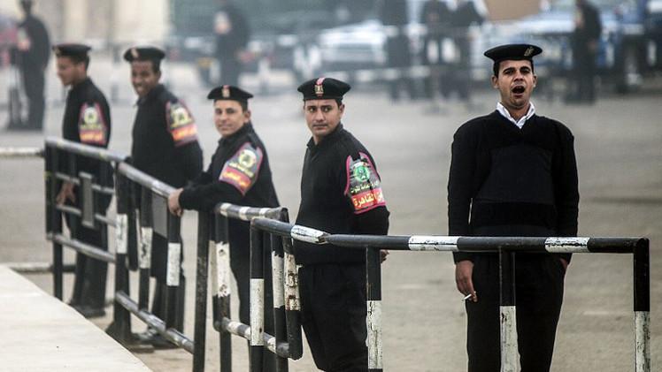 مصر.. سلسلة انفجارات في منطقة إمبابة والأمن يفرض طوقا أمنيا على المكان