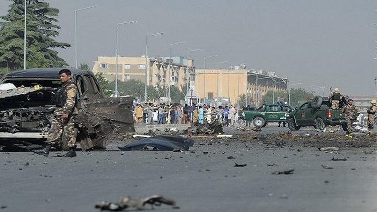 طالبان تحرق مروحية الرئيس الأفغاني