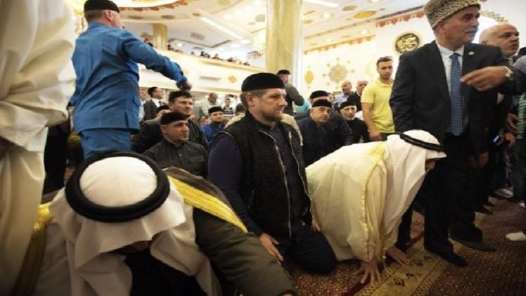 رئيس الشيشان يدعو إسلاميي الشرق الأوسط إلى وقف حمام الدم
