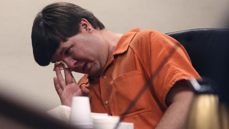 أب يواجه الإعدام بعد وفاة ابنه الذي نسيه في سيارته