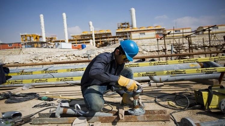 رغم العقوبات.. شركة أمريكية تستثمر مليار دولار في إيران