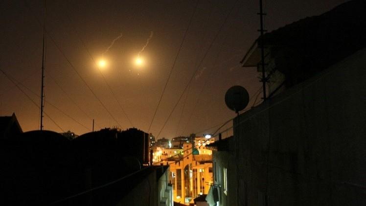 غارات اسرائيلية على غزة.. وتواصل الاشتباكات في الضفة