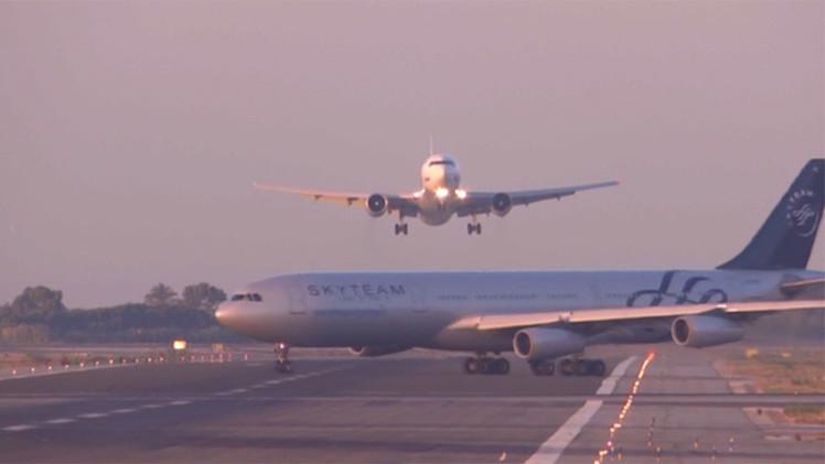 بالفيديو.. طائرة روسية تتفادى الاصطدام بأرجنتينية في برشلونة