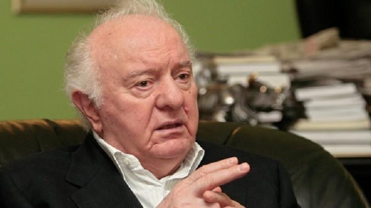 الموت يغيّب الرئيس الجورجي الأسبق إدوارد شيفارنادزه