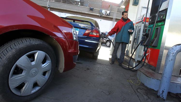 السيسي: زيادة سعر الوقود خطوة تأخرت