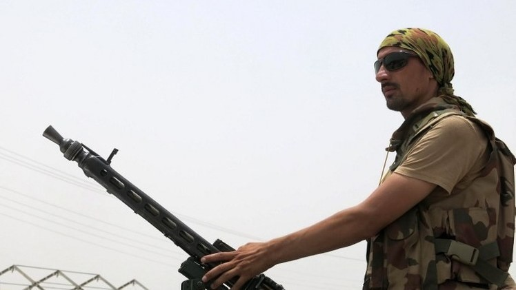 مقتل 13 مسلحا في غارة جوية بباكستان