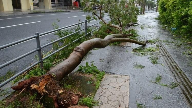 مقتل 2 وإصابة نحو 30 جراء إعصار قوي جنوب اليابان (فيديو)