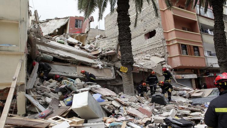 مصرع 4 أشخاص في  حادث انهيار ثلاث عمارات في المغرب