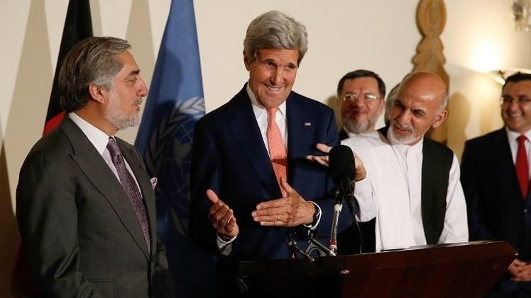 كيري: مرشحا الانتخابات الأفغانية تعهدا بالالتزام بنتائج إعادة الفرز الشامل