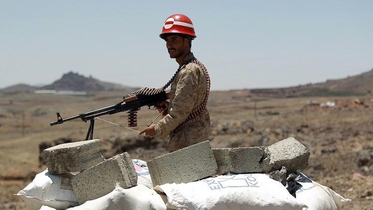الحوثيون يعيدون معسكرا للجيش اليمني
