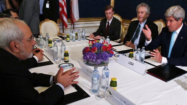 كيري: مفاوضات الملف النووي الإيراني صعبة جدا