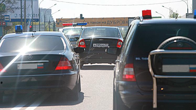 الحكومة الروسية تحظر على الدوائر الحكومية شراء السيارات الأجنبية