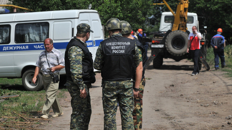 ملحقون عسكريون يزورون دونيتسك الروسية على الحدود مع أوكرانيا