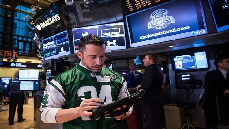 الأسهم الأمريكية تتراجع بعد فرض عقوبات إضافية ضد روسيا