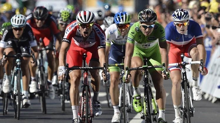 النرويجي كريستوف يفوز بالمرحلة الـ 12 من سباق فرنسا للدراجات