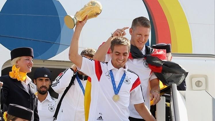 قائد أبطال العالم يعتزل كرة القدم دوليا