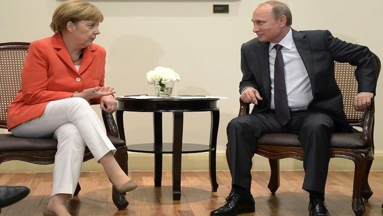 بوتين وميركل يريدان تحقيقا موضوعيا في الكارثة الجوية