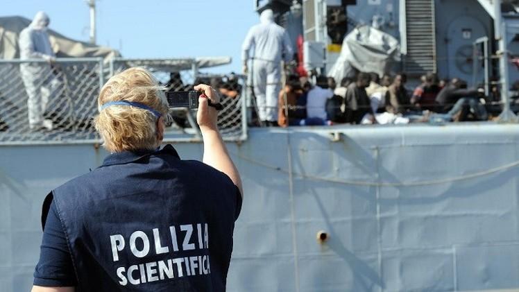 مصرع 19 مهاجرا قبالة السواحل الإيطالية