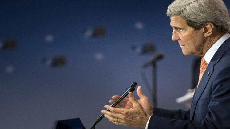 كيري يلوم حماس لرفضها وقف إطلاق النار ويتوجه للشرق الأوسط