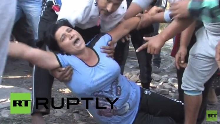 اشتباكات بين غجر بلغاريا والشرطة على خلفية إزالة المباني المخالفة في المدينة (فيديو)