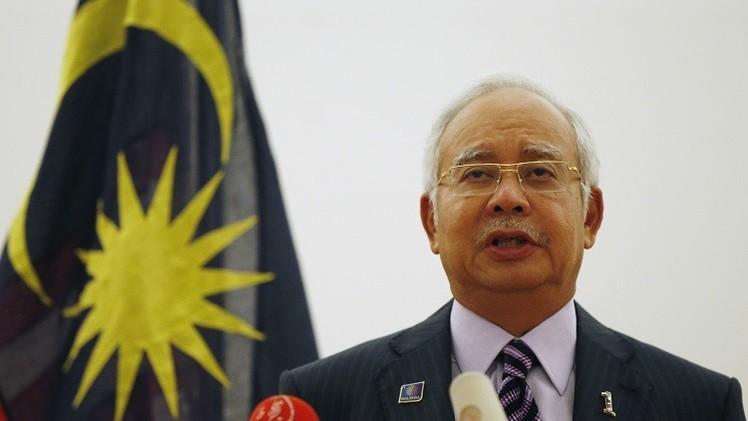رئيس الوزراء الماليزي يؤكد أن خبراء بلاده سيتسلّمون صندوقي الـ