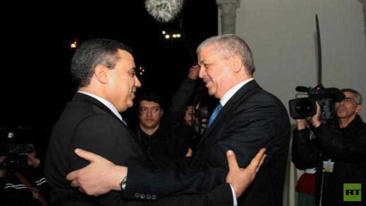 جمعة يقوم بزيارة خاطفة إلى الجزائر لبحث تعزيز التعاون الأمني