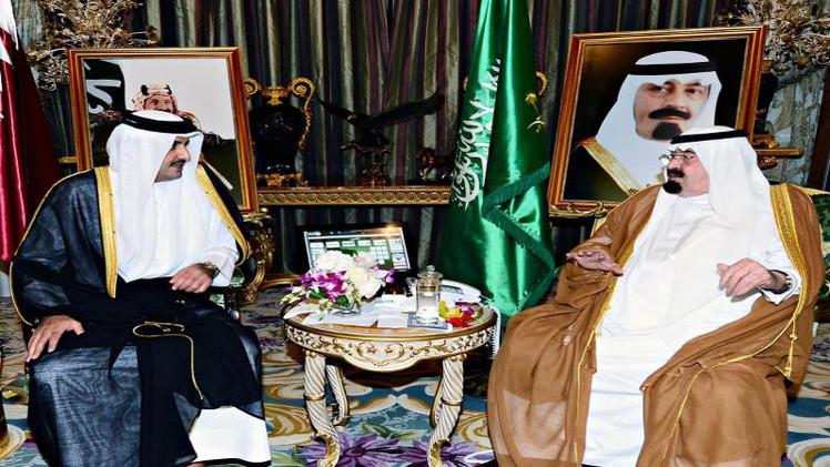 العاهل السعودي يستقبل أمير قطر