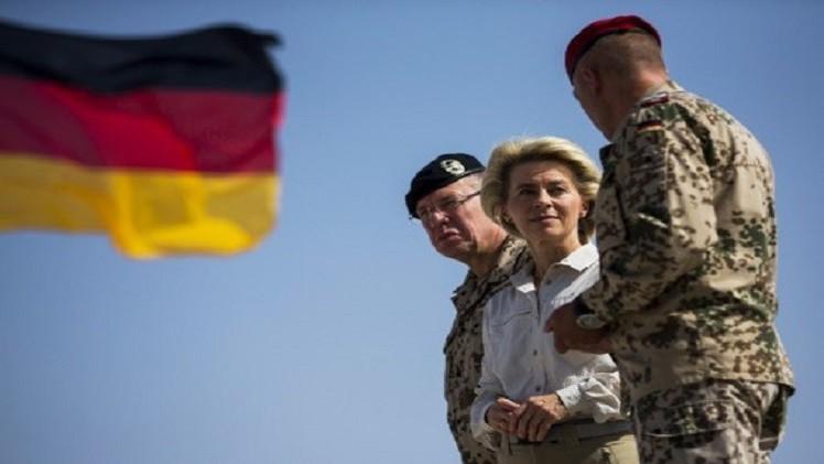 وزيرة الدفاع الألمانية: 800 جندي سيدربون الأفغان بعد انسحاب إيساف