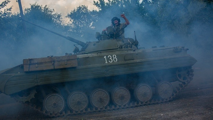 الصليب الأحمر الدولي يقر ضمنيا بأن ما يجري في أوكرانيا حرب أهلية