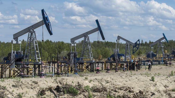تراجع صادرات روسيا النفطية بنسبة 4.9% في خمسة أشهر