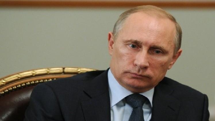 بوتين يقدم تعازيه لبوتفليقة وهولاند بضحايا الطائرة الجزائرية