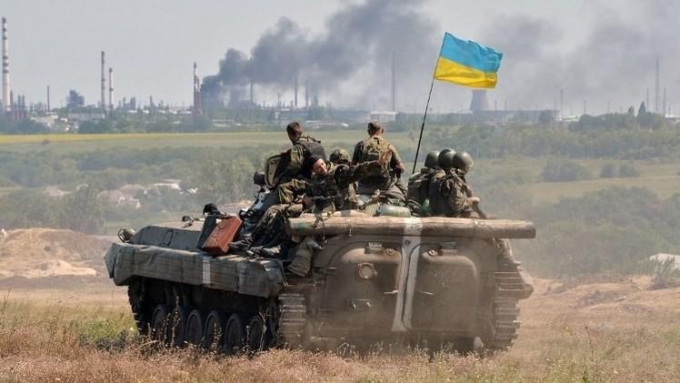 لوغانسك.. مقتل 15مدنيا واستمرار المعارك قرب الحدود الروسية