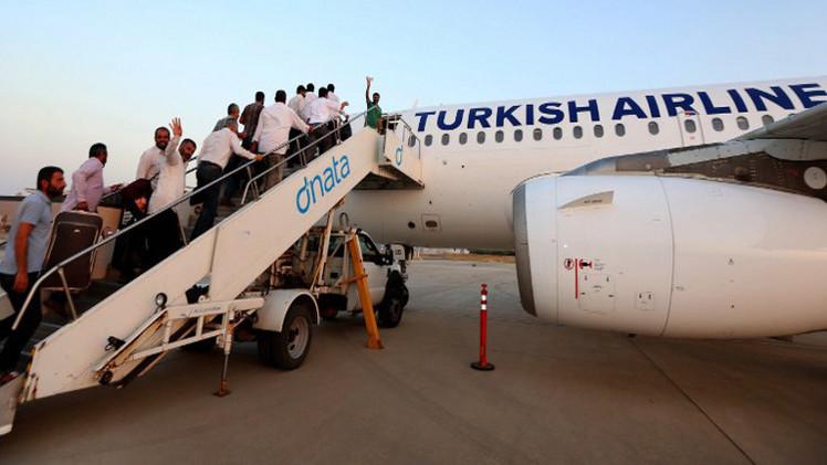 تركيا ترفع حظر الطيران إلى تل أبيب بعد وقف إطلاق النار