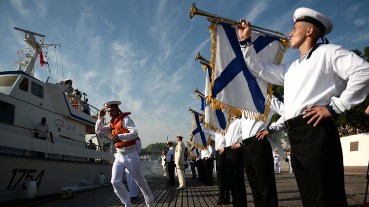 سيفاستوبول تحتفل بعيد البحرية الروسية